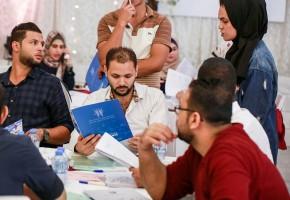 إنقاذ المستقبل الشبابي توقع عقود التشغيل لخريجين وخريجات مشروع تمكين طاقات شبابية